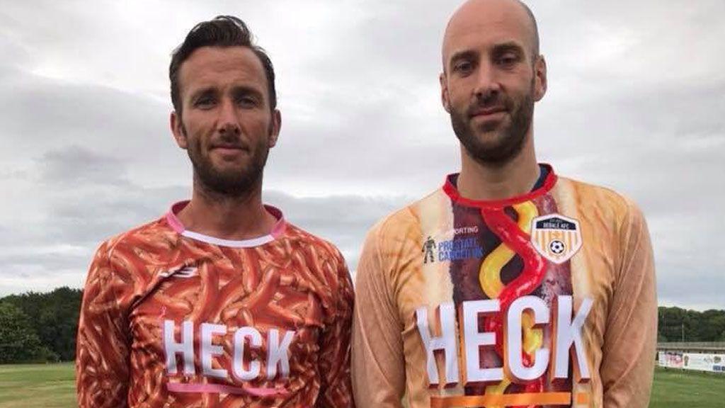 ¡Ver para creer! El Bedale AFC presenta las camisetas más curiosas del mundo del fútbol