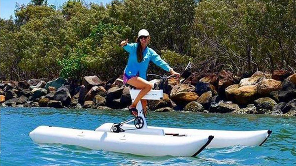 Bicis acuáticas: una virguería que se lleva este verano en las playas