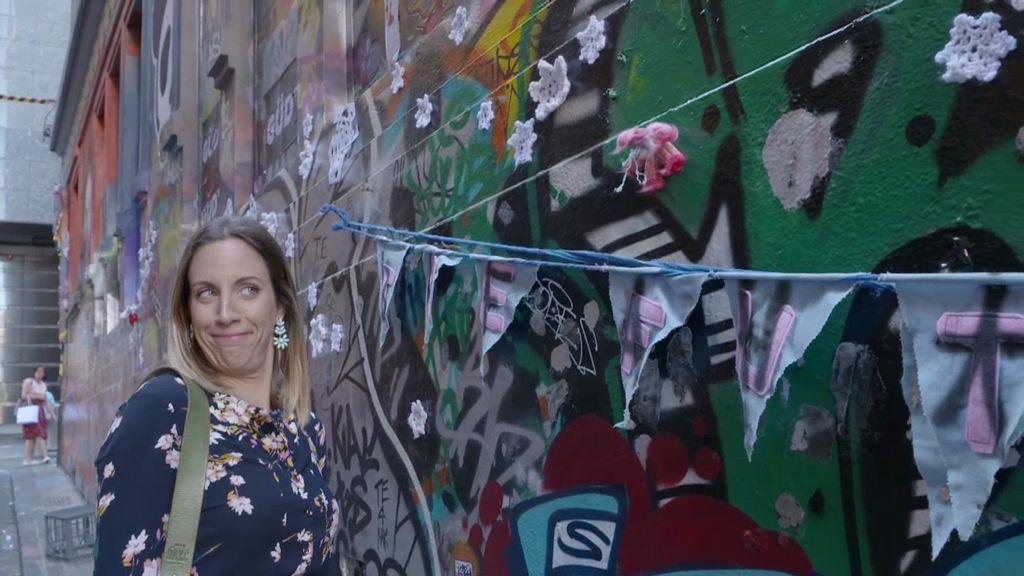 Hosier Lane, el callejón más fotografiado de Melbourne, tiene tampones pegados en la pared
