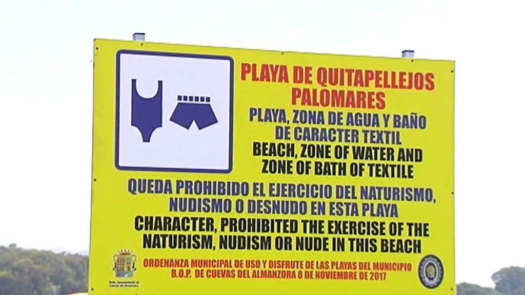 Un cartel indigna a los nudistas que tienen prohibido el for Ultimos disenos de banos