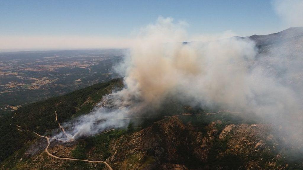 Fallecida una persona en las labores de extinción de un fuego en Casavieja, Ávila