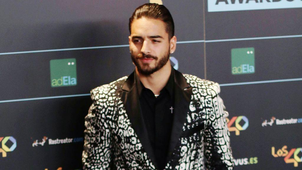 Maluma genera polémica tras compartir una fotografía en la cama con siete mujeres