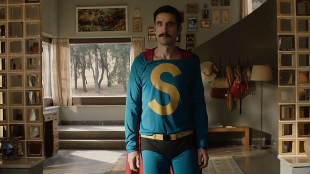 Videoclip 'Yo quería ser normal': Tequila interpreta el tema principal de 'Superlópez'