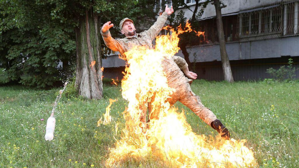 Se quema a lo bonzo en protesta por haber sido despedido
