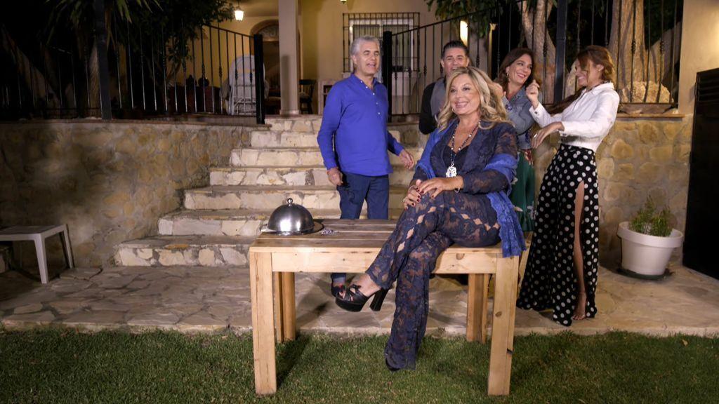 Olivia Valere se lleva el premio de 'Ven a cenar conmigo: Summer edition' y lo dona a una fundación para niños enfermos