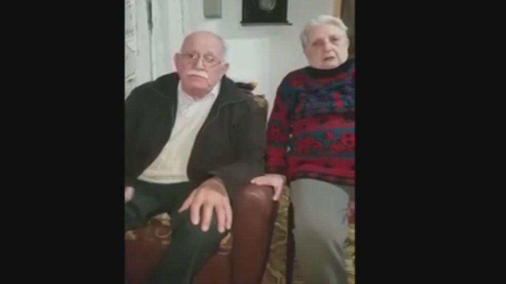 Así fue el reencuentro de la pareja de jubilados con su perrita
