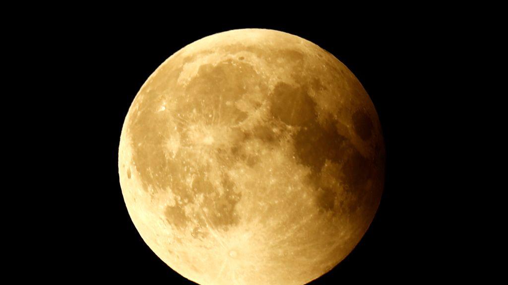 'Luna de sangre', el eclipse total de Luna más largo del siglo