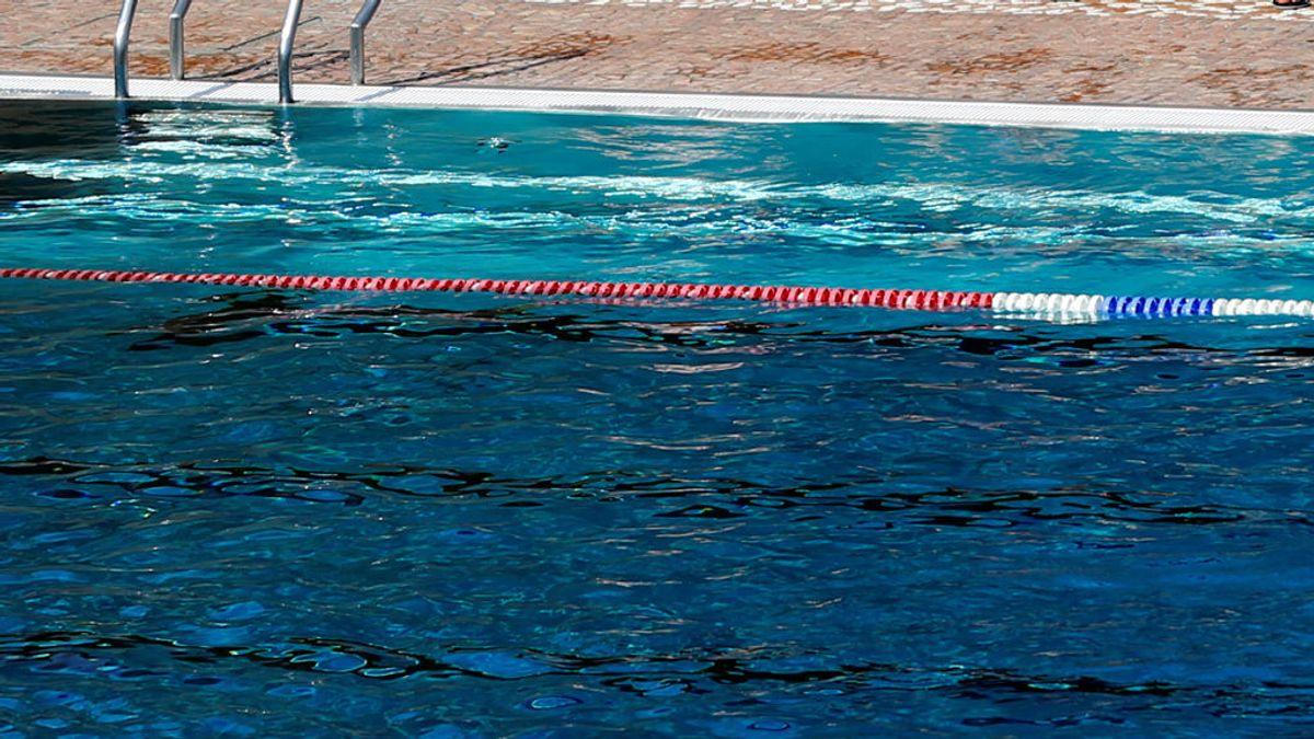 Fallece una niña de cuatro años en una piscina en Marbella (Málaga)