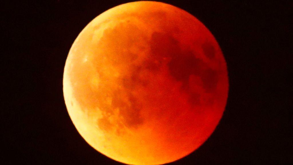 El eclipse lunar más largo del mundo