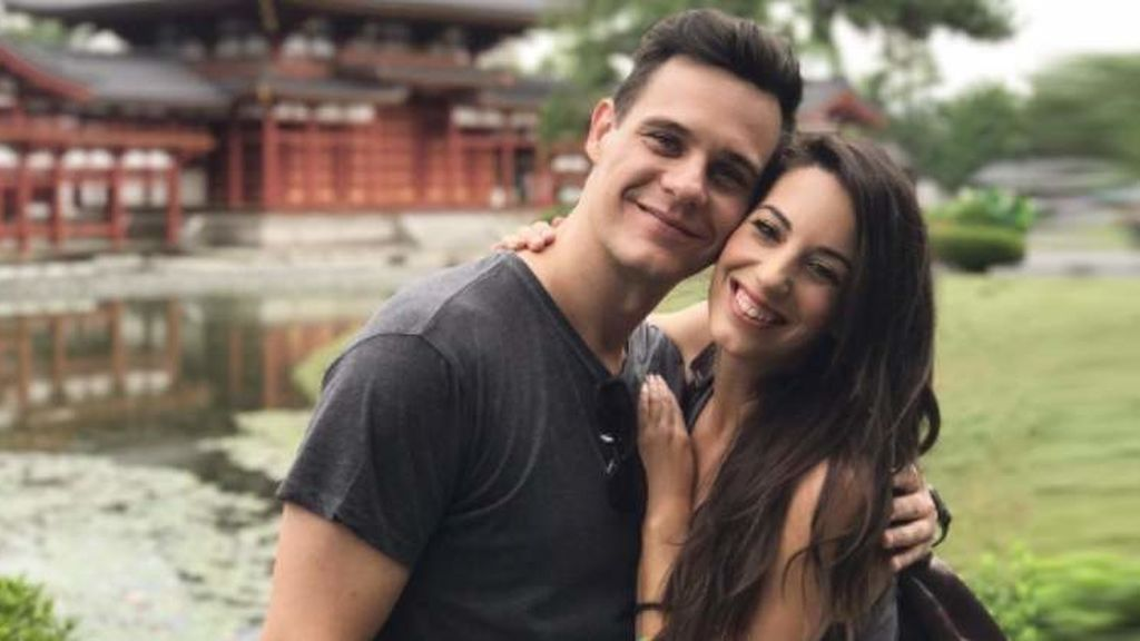 Christian Gálvez  y Almudena Cid celebran su aniversario pasado por agua