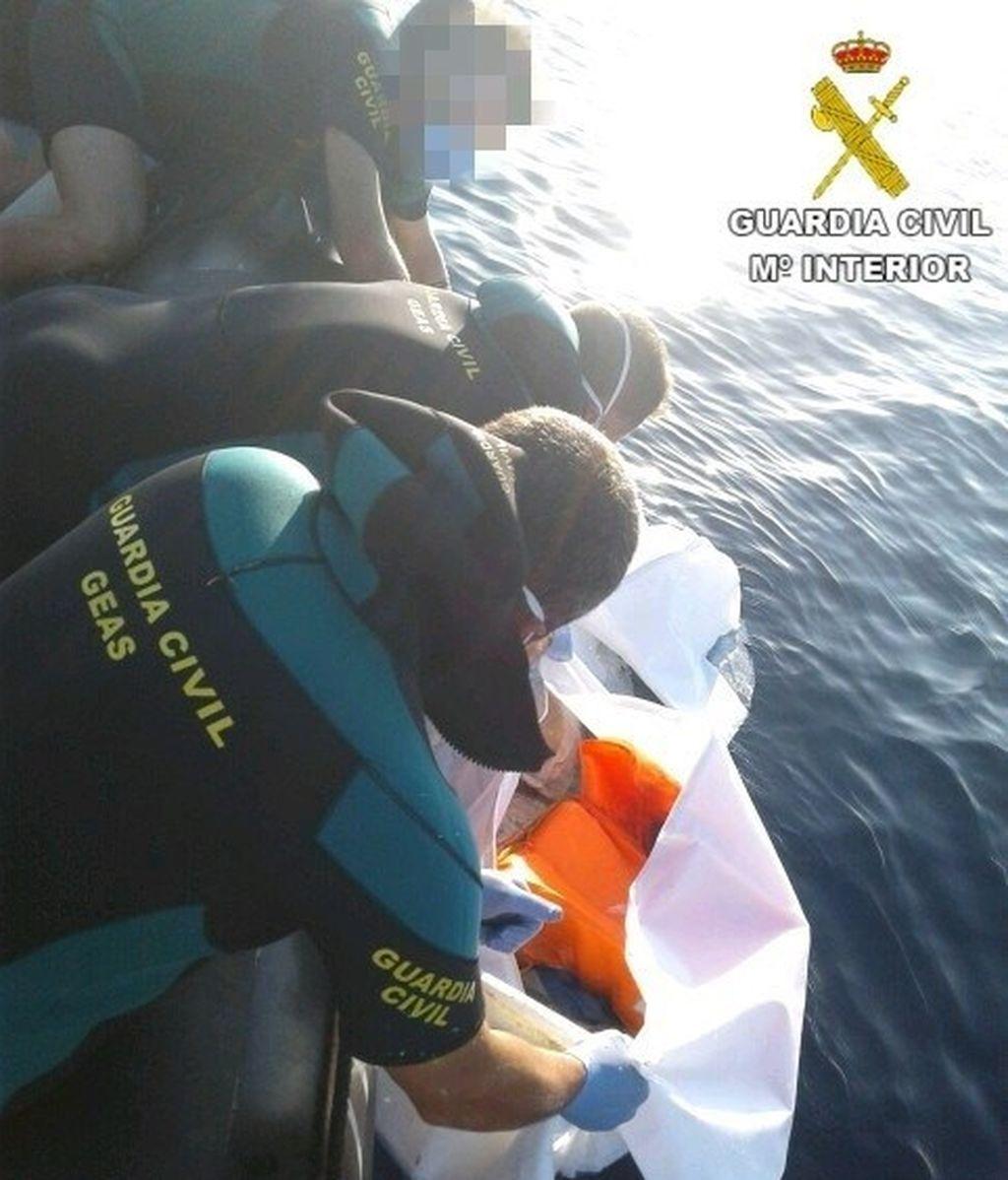Encuentran un cadáver en descomposición en el mar de Alicante