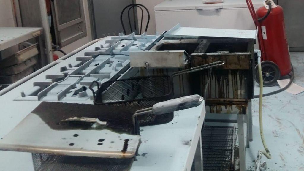 Evacuan a 43 ancianos tras un incendio en la cocina de una residencia de Valencia