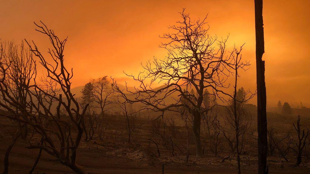 El incendio de California deja ya tres muertos y nueve desaparecidos