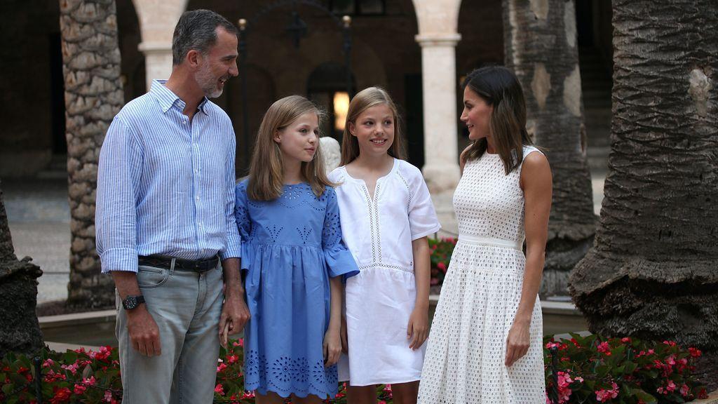 Aciertos y errores del posado veraniego de la familia real en Mallorca