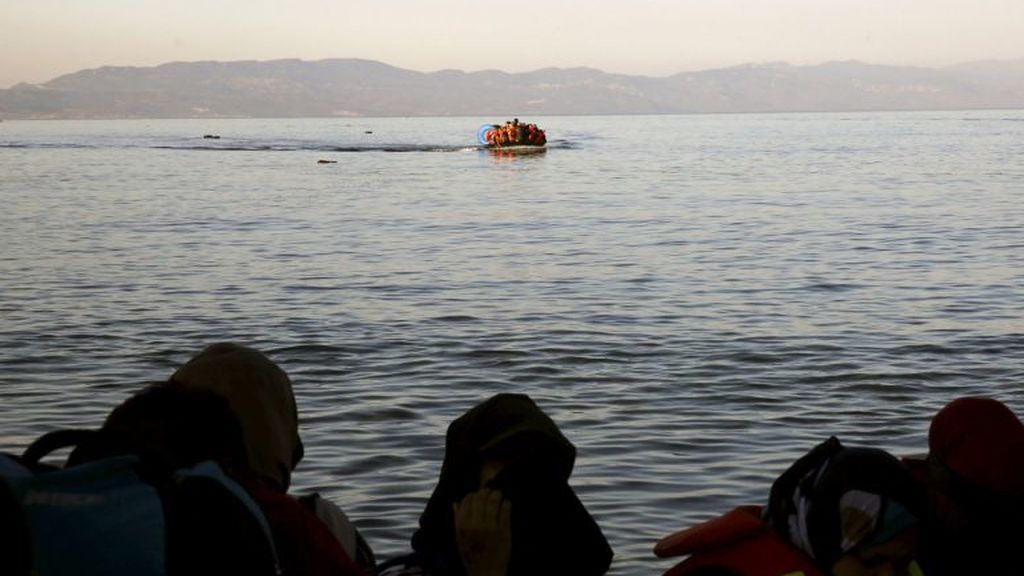 Seis muertos, entre ellos tres bebés, al naufragar una barca con inmigrantes cerca de Lesbos