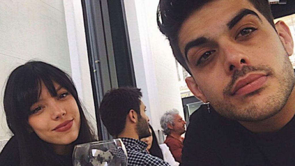 ¡Love is in the air!  Alejandra Rubio se tatúa una romántica frase con su novio