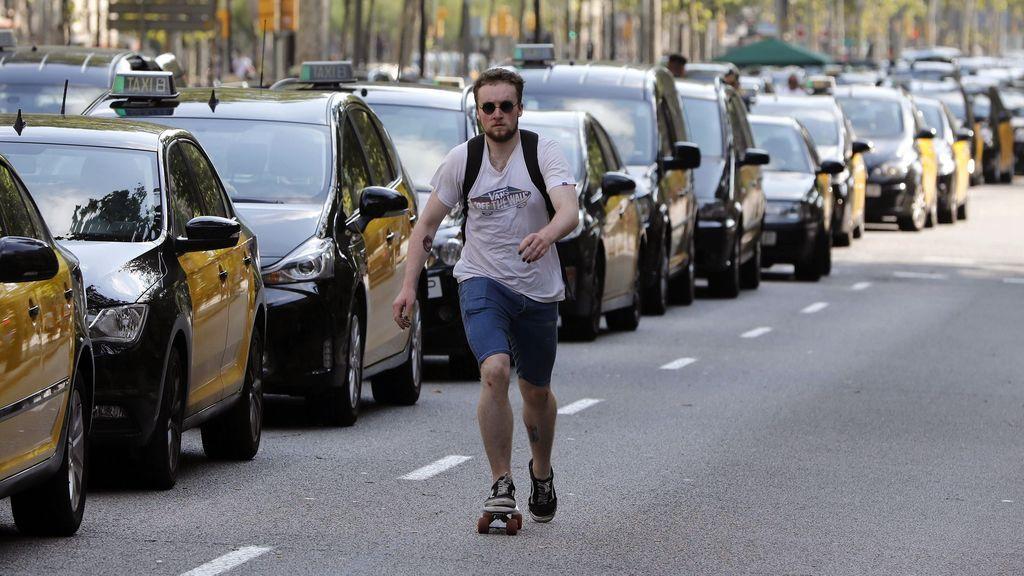 """Los taxistas aseguran que no levantarán la huelga indefinida hasta que consigan """"ganar"""""""