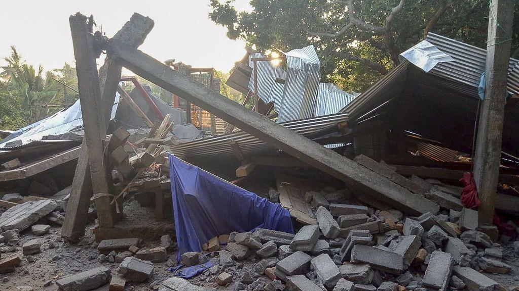 Un terremoto de 6.4 sacude Indonesia dejando doce muertos