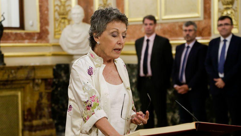 Rosa María Mateo toma posesión del cargo de administradora única de RTVE en el Congreso de los Diputados, el 30 de julio de 2018.