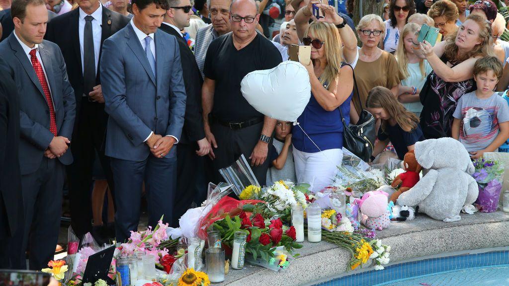 Altar por las víctimas de Toronto