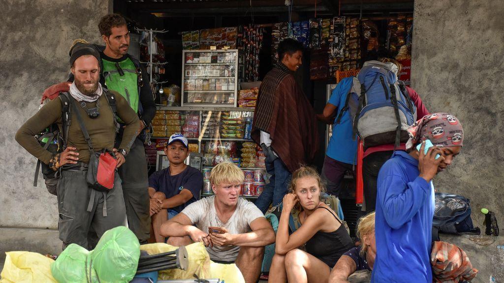 Las autoridades de Indonesia rescatarán a 29 españoles atrapados en el monte Rinjani