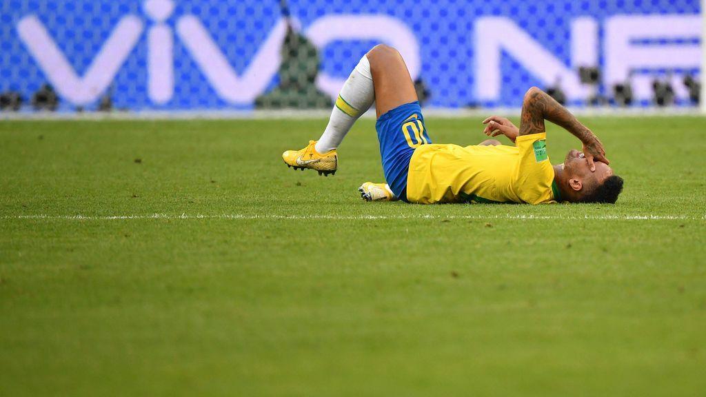 """Neymar: """"A veces exagero pero sufro mucho en el campo"""""""