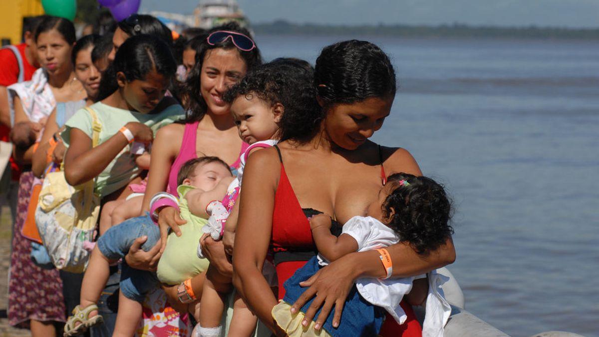 """""""Dar el pecho a demanda"""", la nueva recomendación a las madres durante la primera semana de vida del bebé"""