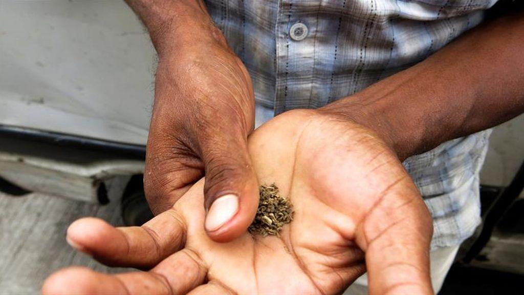 Continúa el consumo de tabaco en India, pese a las prohibiciones
