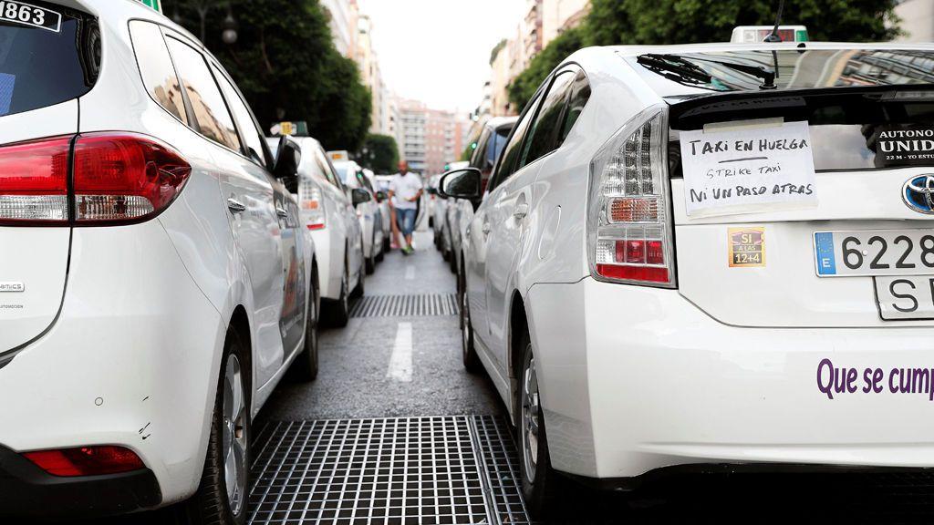 Taxistas de Madrid y Barcelona deciden levantar la huelga
