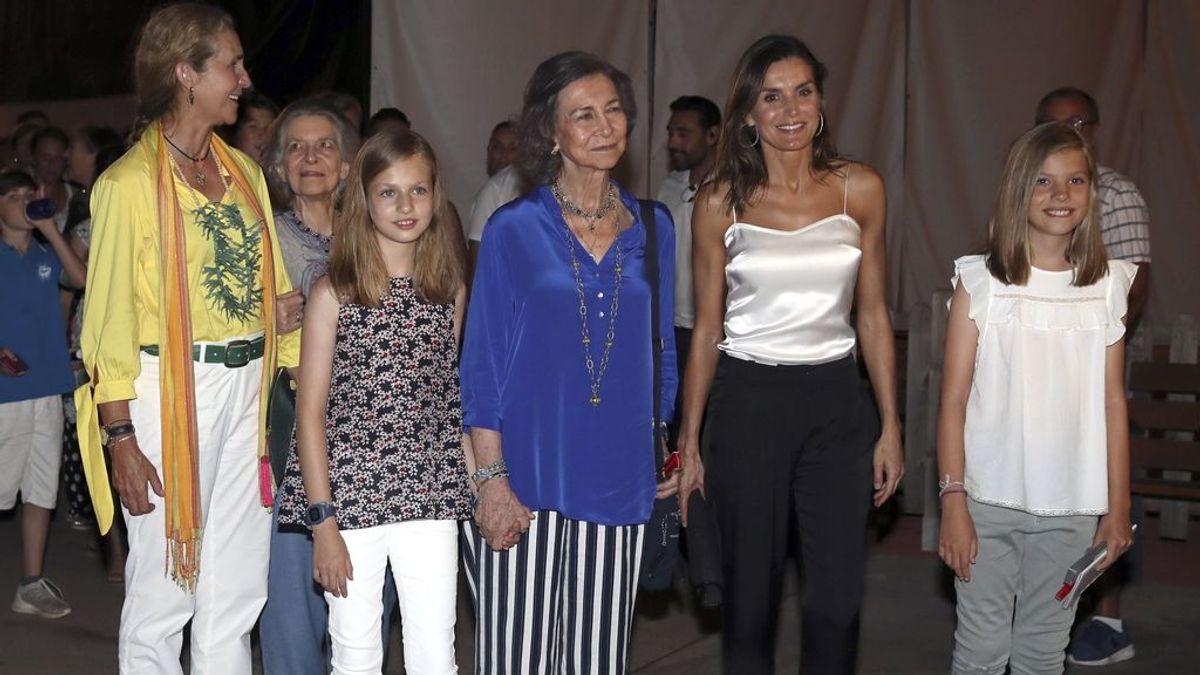 Sigue la buena sintonía entre la reina Letizia y doña Sofía en Mallorca