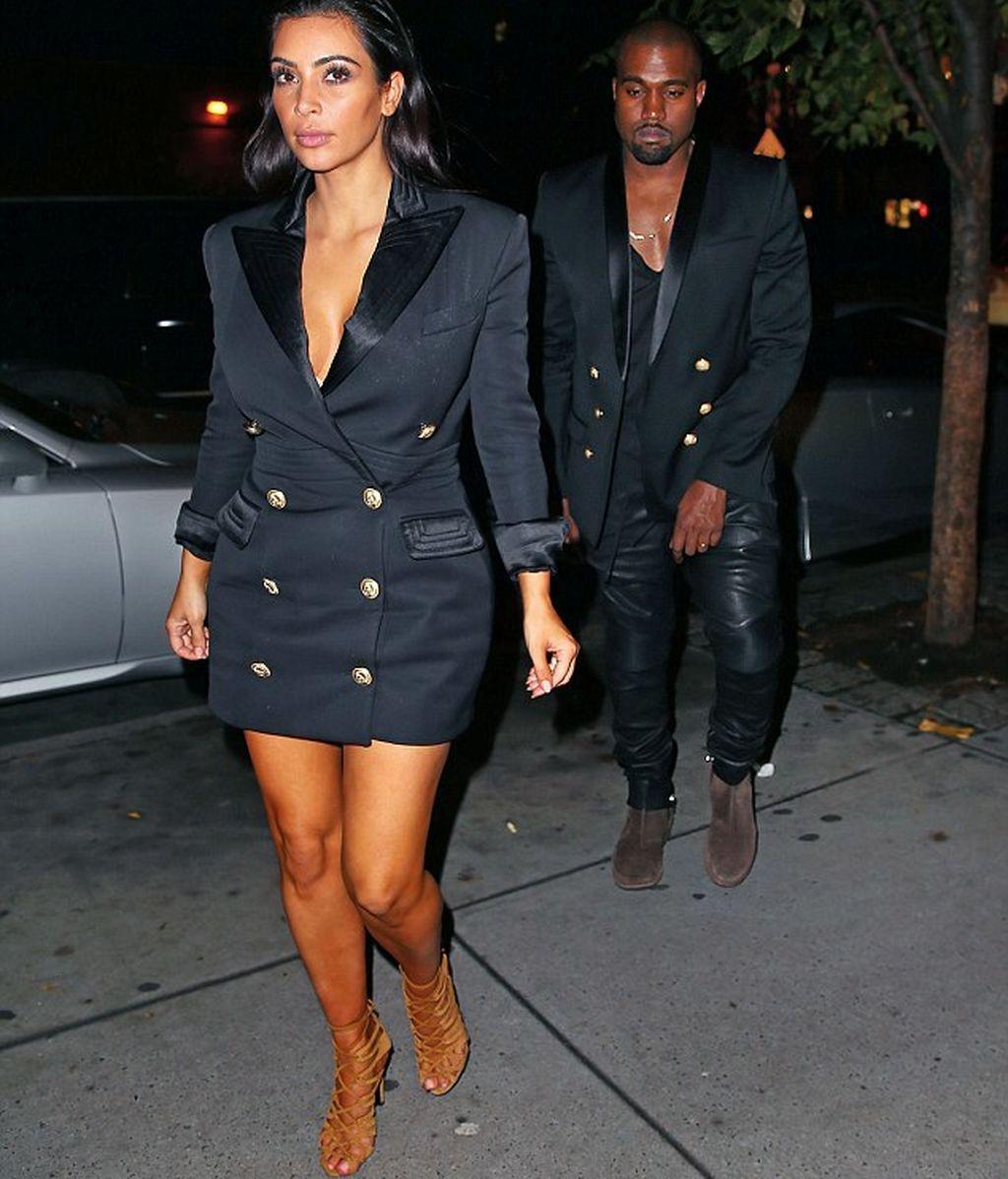 1415343370264_wps_37_Kim_Kardashian_and_Kanye_