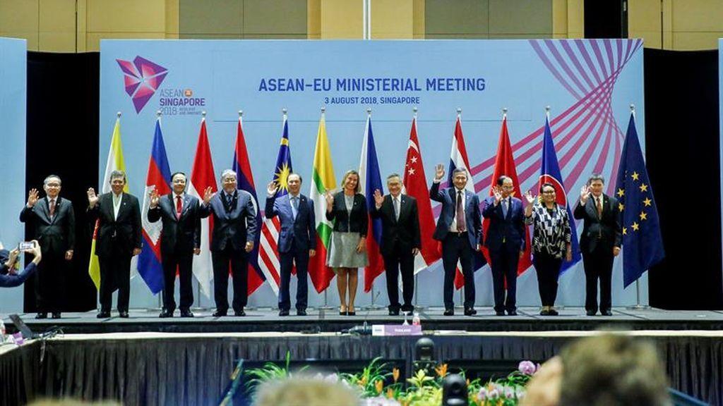 Cumbre de Ministros Exteriores en Singapur