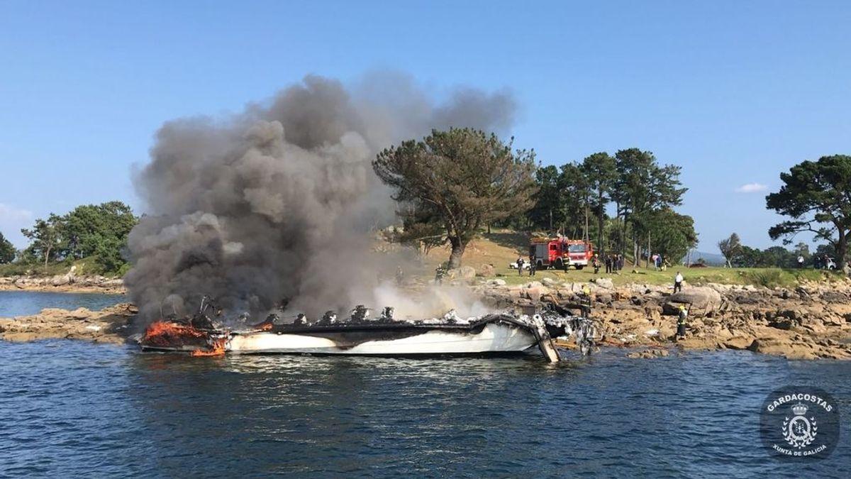 Muere uno de los heridos en el incendio del catamarán de O Grove (Pontevedra)
