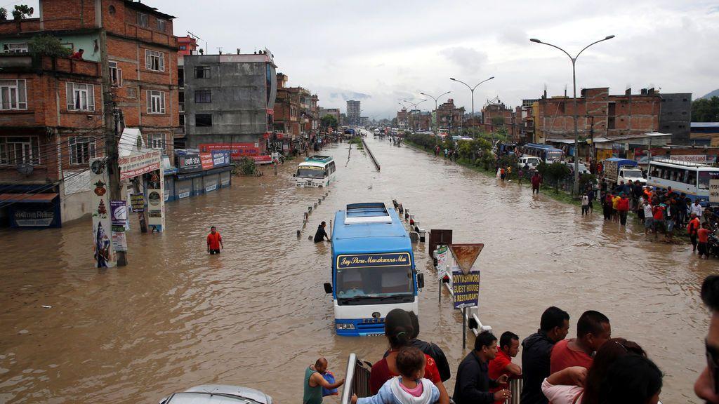 Incesante lluvia en Nepal