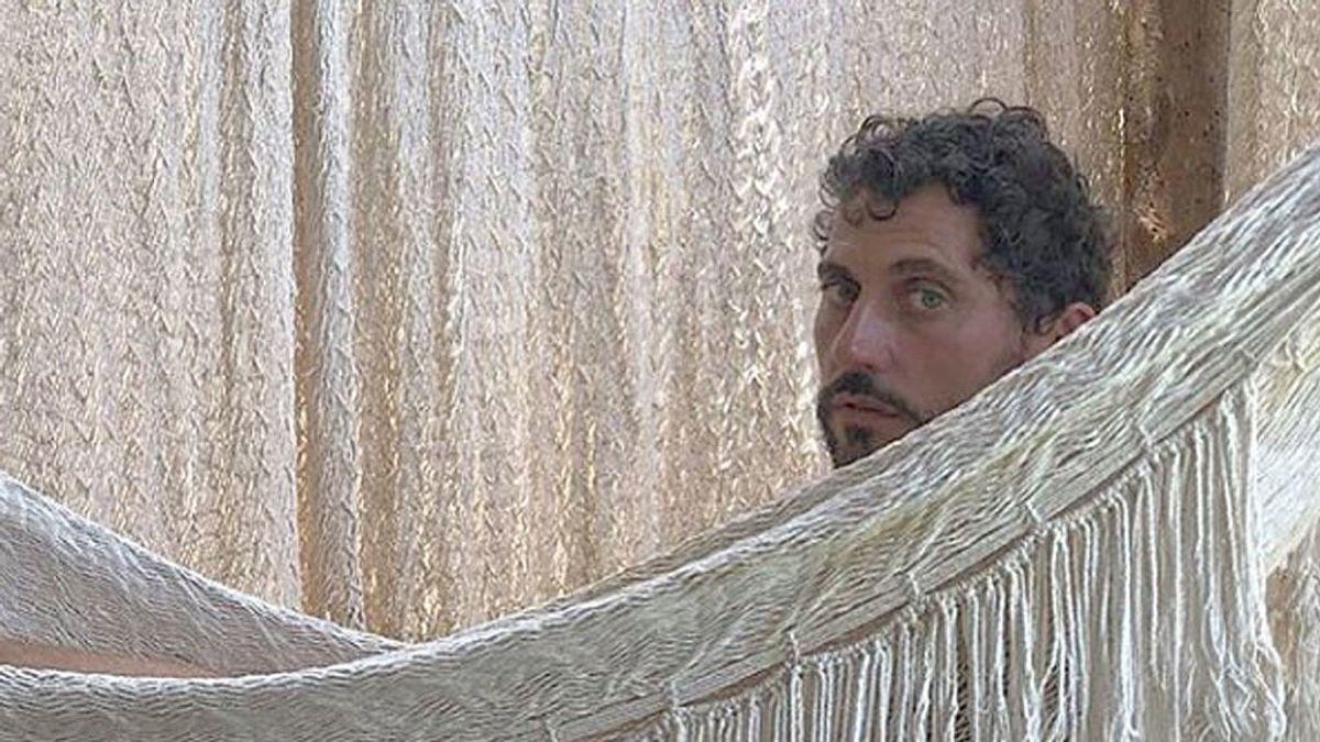 Paco León lo ha vuelto hacer, se ha desnudado y… ¡Tulum, Tulum!