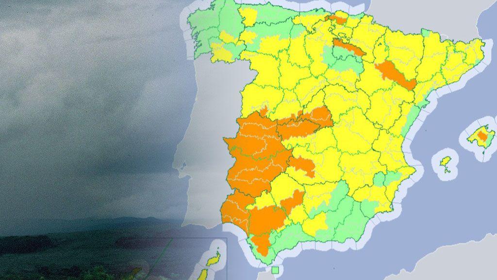 Mientras media España se asa: seis provincias con avisos activados por tormentas y granizo