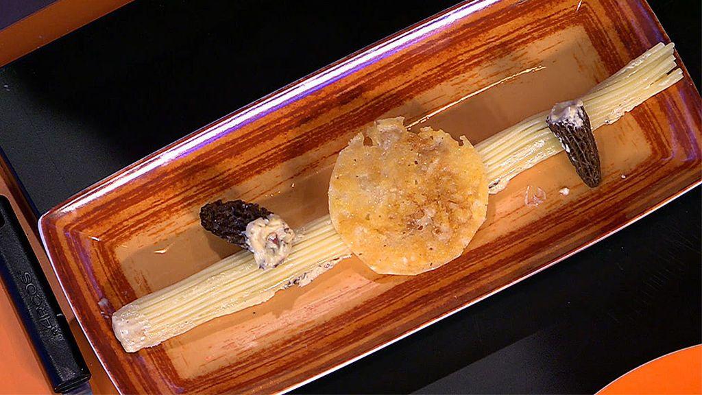 """¡Sigue la receta!: Pepa Muñoz prepara espaguetis a la carbonara """"rellenos"""" ¡y pegados a la nevera!"""
