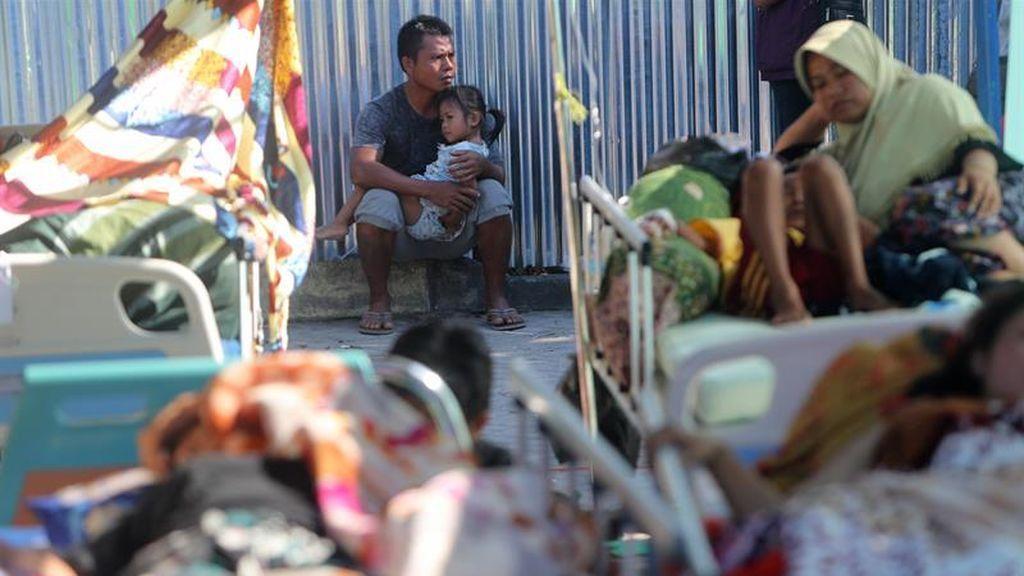 Los afectados por el terremoto, a la espera de recibir sustento