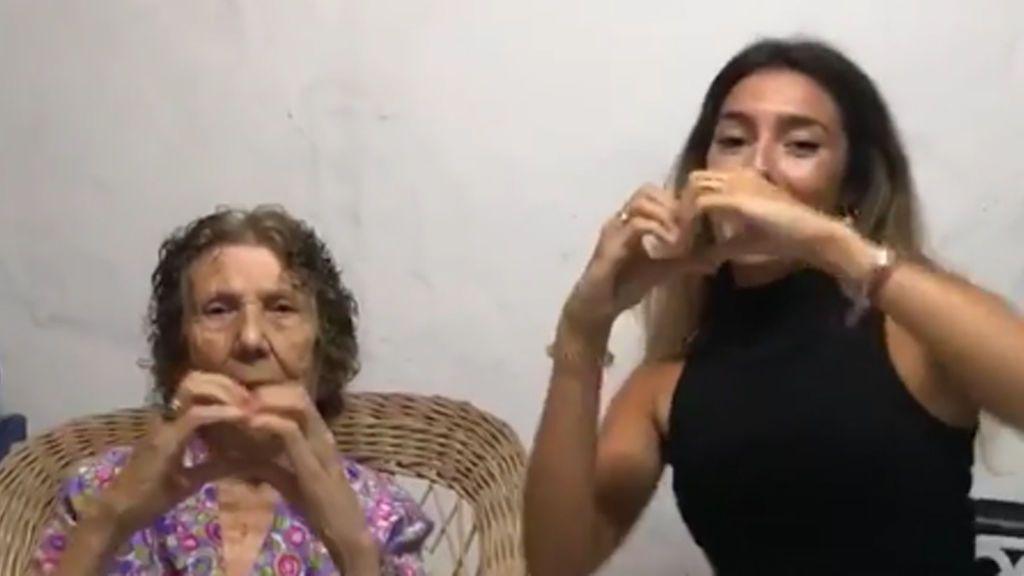 "Anna Ferrer Padilla consigue que su abuela Lola baile el famoso reto ""my fellings challenge"""