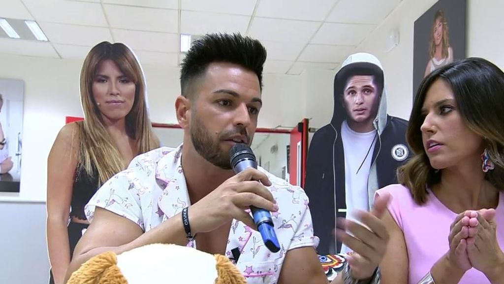 Tony 'Casetas' asegura que Isa Pantoja se veía con Omar estando Alberto en 'SV'