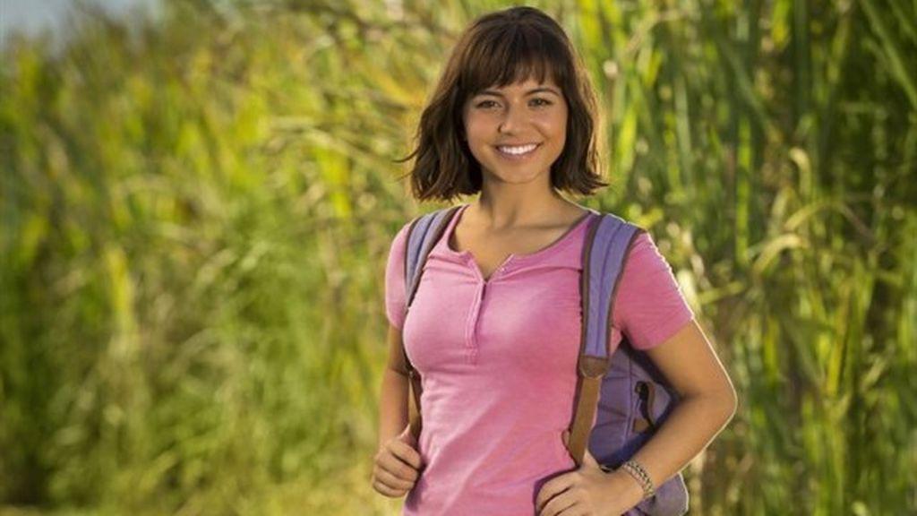 Isabela Moner es Dora en su nueva película.