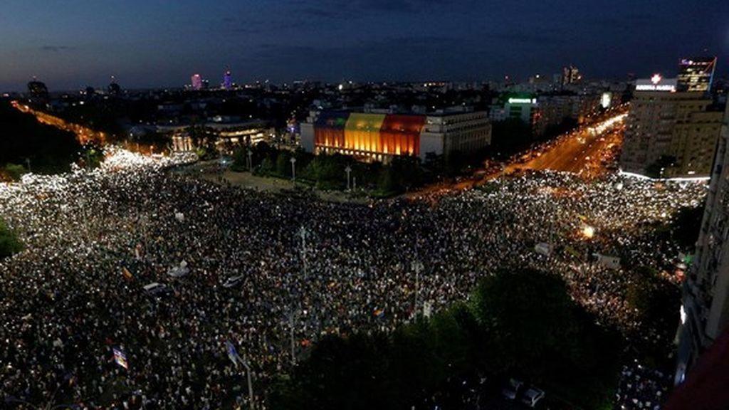 Las protestas anticorrupción acaban con reyertas en Rumanía