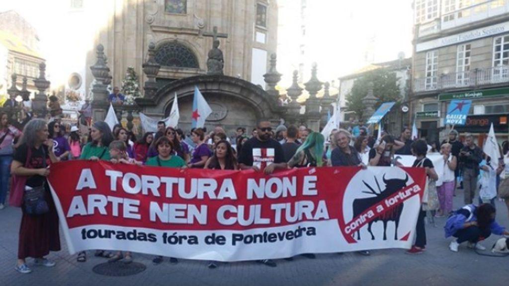 Cientos de personas piden la abolición de la tauromaquia en Pontevedra