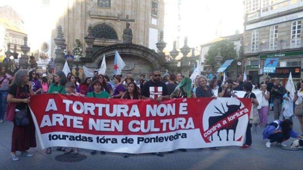 Multitudinaria manifestación en Pontevedra para reclamar la abolición de los toros