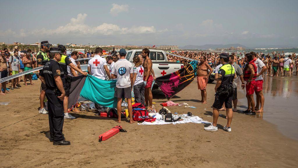 Hallan muerto a un joven de 20 años semienterrado en la playa de la Malvarrosa en Valencia