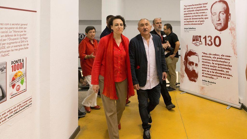 Pepe Álvarez (d), secretario general de UGT y la ministra Magdalena Valerio (i), durante los actos de conmemoración de los 130 años de la fundación de UGTUGT cumple hoy 130 años desde su fundación