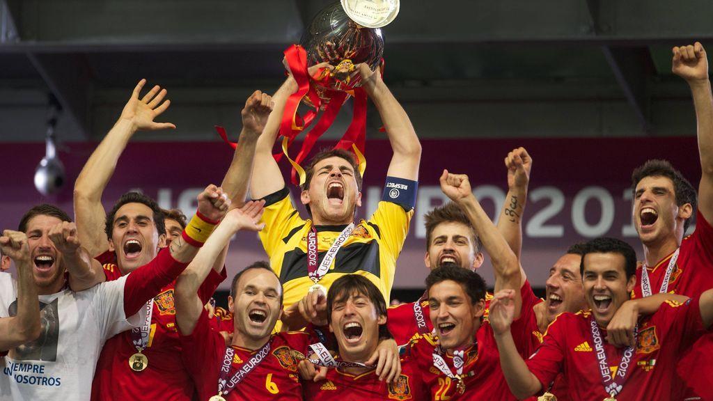 """El mensaje de Iker Casillas a Silva y Piqué: """"¡Dos jugadores impresionantes! ¡Dos grandes personas!"""""""