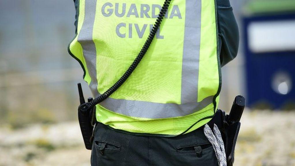 La Guardia Civil arresta a un militar por amenazar a su pareja con un arma de fogueo