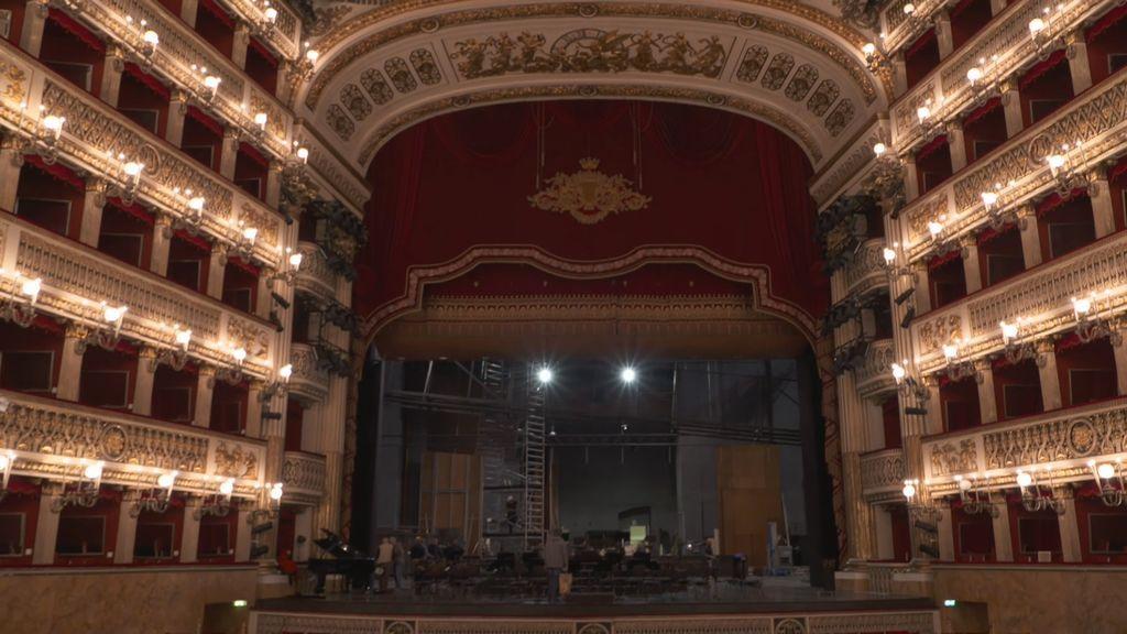 Entramos al teatro San Carlo de Nápoles, el más antiguo del mundo