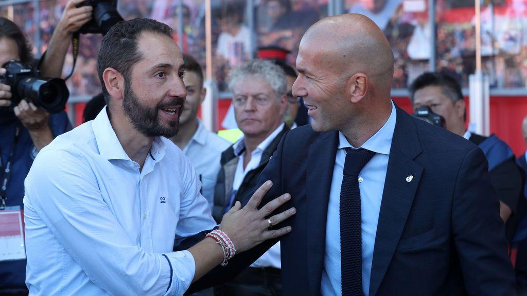 """El vacile de Pablo Machín a los diseñadores de FIFA: """"Habéis sido los únicos en conseguir que me ponga corbata en el banquillo 😜 """""""